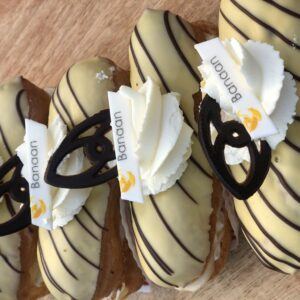 bananensoes verse stukjes banan en slagroom